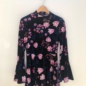 As U Wish Black Mini Floral Velvet Bell Dress S